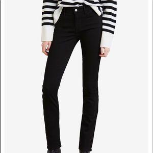 NWT Black Levi's Classic Mid-Rise Skinny Jeans